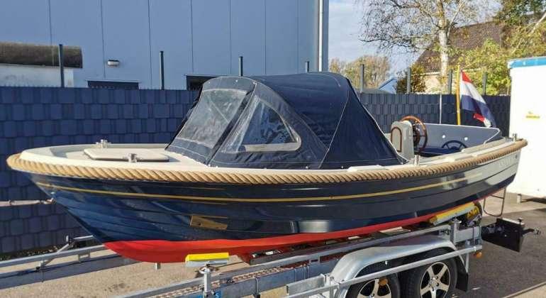 Antaris 520 Vetus 11PK 2 Cilinder Diesel Bouwjaar 2000
